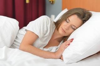 眠れない夜に苦しんでいる時の対処法