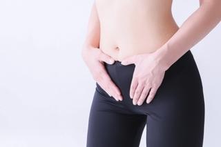 腰痛と足のシビレの原因は「股関節の硬さ」にもあった!
